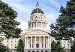 1280px-Sacramento,-California---State-Capitol (2)